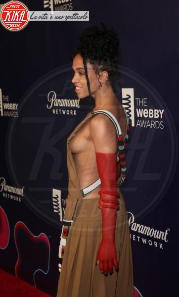 FKA Twigs - New York - 15-05-2018 - Webby Awards: FKA Twigs, sideboob da capogiro