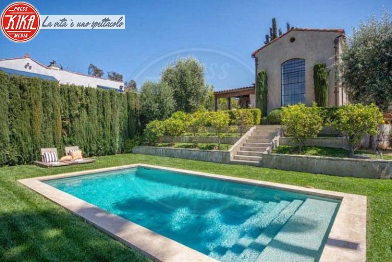 Casa Ellen Pompeo - Hollywood - 23-05-2018 - Voglia di piscina? Comprate quella di Ellen Pompeo