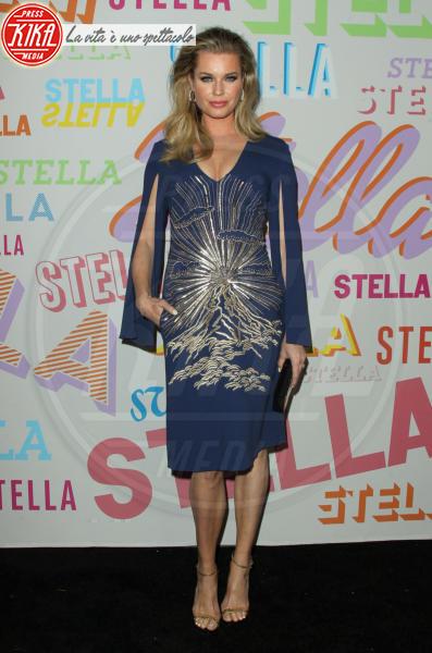 Rebecca Romijn - Pasadena - 16-01-2018 - Chi lo indossa meglio? Diana Del Bufalo e Rebecca Romijn