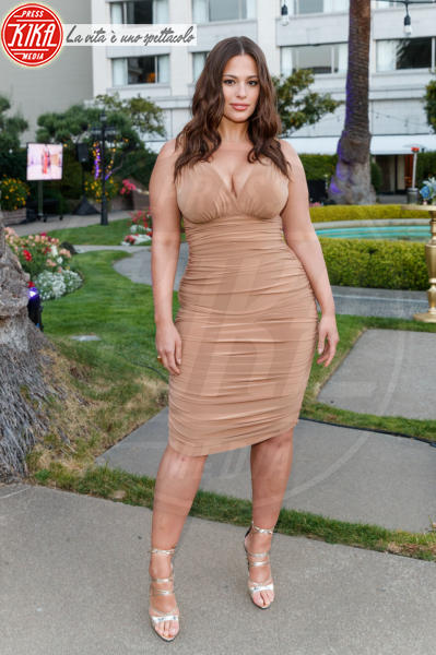 Ashley Graham - San Francisco - 07-06-2018 - Ashley Graham posa per la sua nuova linea di lingerie