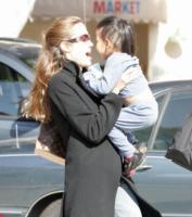 Angelina Jolie - Brentwood - 24-10-2007 - Angelina Jolie è la donna più sexi al mondo per i lettori di Playboy