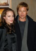 Angelina Jolie, Brad Pitt - Los Angeles - 24-10-2007 - E' crisi tra Angelina Jolie e Brad Pitt: lei si ubriaca, lui la riprende in pubblico