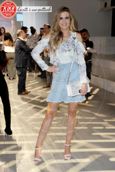 Victoria Brown - Londra - 09-06-2018 - Victoria Beckham, il look è impeccabile ma sei troppo magra!