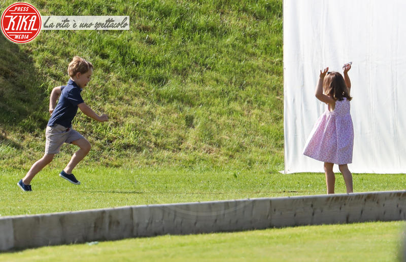 Principessa Charlotte Elizabeth Diana, Principe George - Tetbury - 10-06-2018 - Kate, George e Charlotte: quando la principessa è solo una mamma