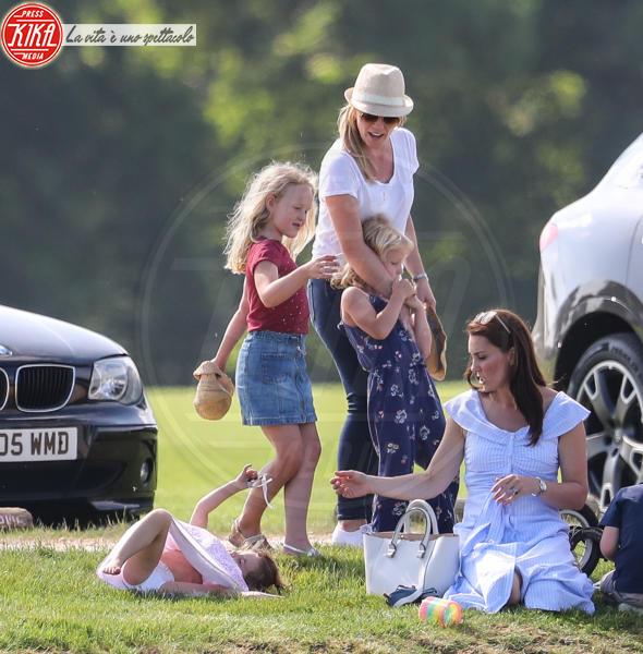 Principessa Charlotte Elizabeth Diana, Kate Middleton - Tetbury - 10-06-2018 - Kate, George e Charlotte: quando la principessa è solo una mamma