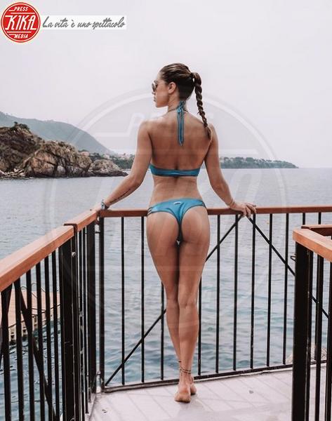 Cecilia Rodriguez - Estate 2019: lato b ieri e oggi. Qualcosa è cambiato?