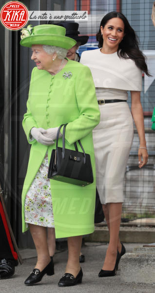 Meghan Markle, Regina Elisabetta II - Cheshire - 14-06-2018 - Chi lo indossa meglio? Meghan Markle e Angelina Jolie
