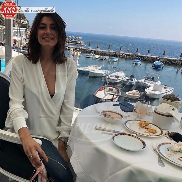 Elisa Isoardi - Milano - 19-06-2018 - Elisa Isoardi risponde a Salvini con un anello di fidanzamento