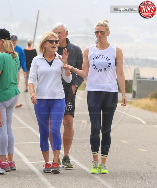 Christine Shookus, Robert Shookus, Lindsay Shookus - Pacific Palisades - 20-06-2018 - Lindsay Shookus incinta? Un nuovo indizio arriva dai genitori...