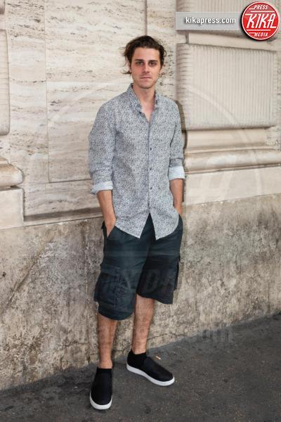 Andrea Arcangeli - Roma - 21-06-2018 - Riccardo Scamarcio benedice Cosimo Terlizzi con Dei