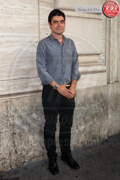 Riccardo Scamarcio - Roma - 21-06-2018 - Riccardo Scamarcio benedice Cosimo Terlizzi con Dei