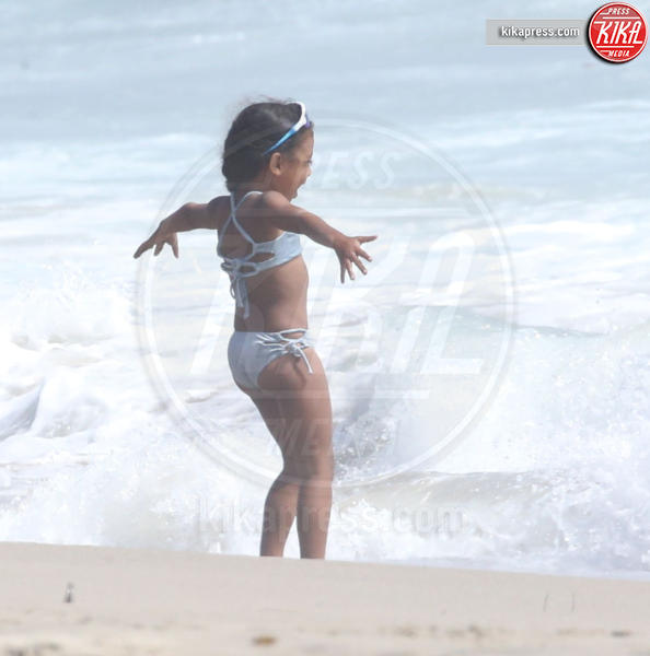 Nori Kardashian - Malibu - 20-06-2018 - Kim Kardashian, il primo bikini della sua North West
