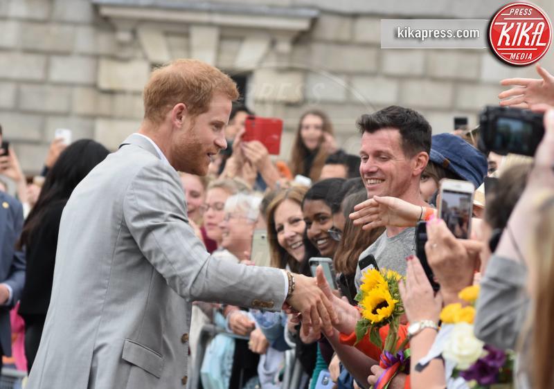 Principe Harry - Dublino - 11-07-2018 - Meghan Markle principessa casual: pantaloni e giacca corta