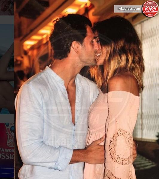 Marco Roscio, Cristina Chiabotto - Milano - 12-07-2018 - Cristina Chiabotto e Marco Roscio, il primo bacio social