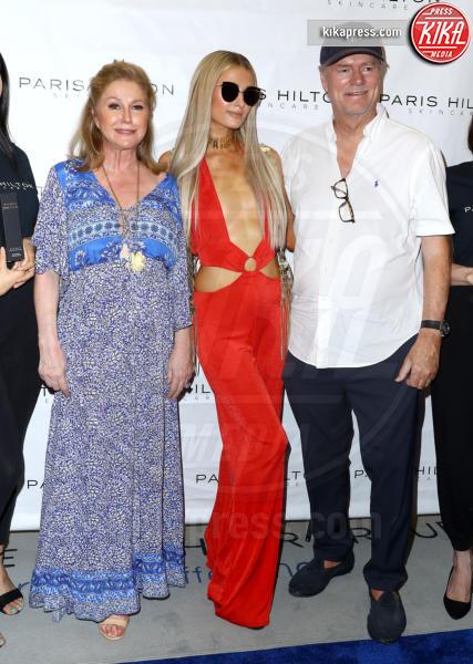 Rick Hilton, Kathy Hilton, Paris Hilton - Las Vegas - 30-07-2018 - Paris Hilton, Voglio una pelle splendida