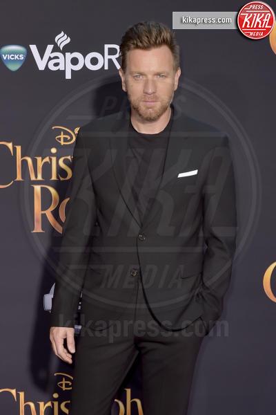 Ewan McGregor - Burbank - 30-07-2018 - Ewan McGregor: il più bello sul red carpet di Christopher Robin