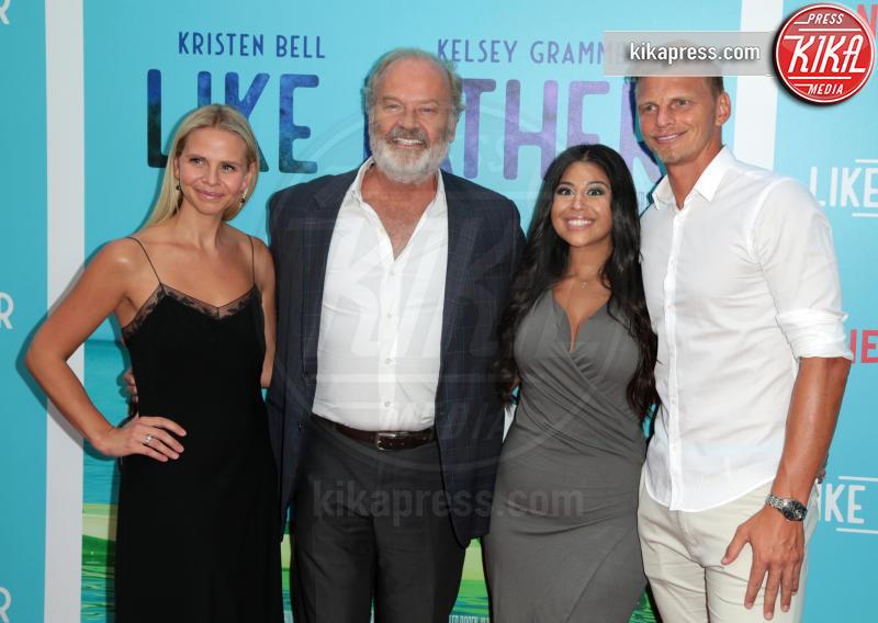 Guests, Kayte Walsh, Kelsey Grammer - Los Angeles - 01-08-2018 - Kristen Bell: la pantera nera della première di Like Father