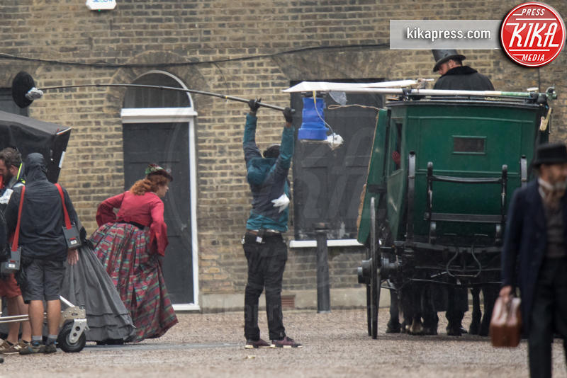 set The Aeronauts - Londra - 09-08-2018 - Felicity Jones in versione ottocentesca per The Aeronauts