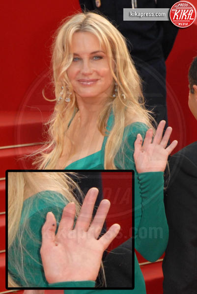 Daryl Hannah - Cannes - 19-05-2007 - Le star che non sapevate avessero assurdi difetti fisici