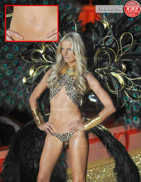 Karolina Kurkova - New York - 10-11-2010 - Le star che non sapevate avessero assurdi difetti fisici