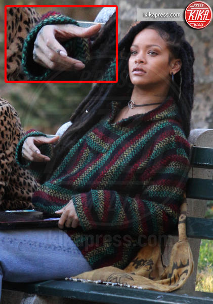 Rihanna - New York - 07-11-2016 - Le star che non sapevate avessero assurdi difetti fisici