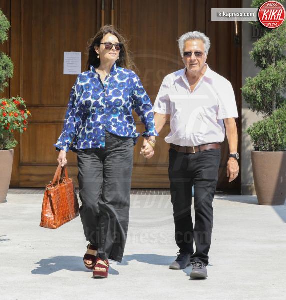 Lisa Edelstein, Dustin Hoffman - Brentwood - 09-08-2018 - Dustin Hoffman, con una moglie così non c'è accusa che tenga