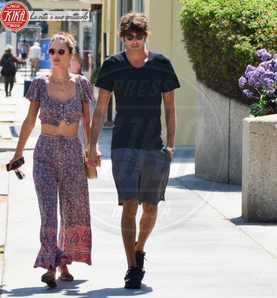 Nicolò Oddi, Alessandra Ambrosio - Los Angeles - 15-08-2018 - Alessandra Ambrosio e il nuovo amore italiano: c'è il bacio
