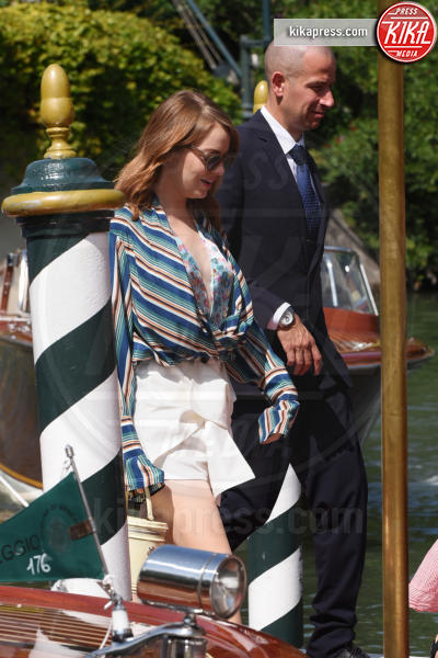 Emma Stone - Venezia - 29-08-2018 - Venezia 75: Emma Stone, shorts e scollo mozzafiato al Lido