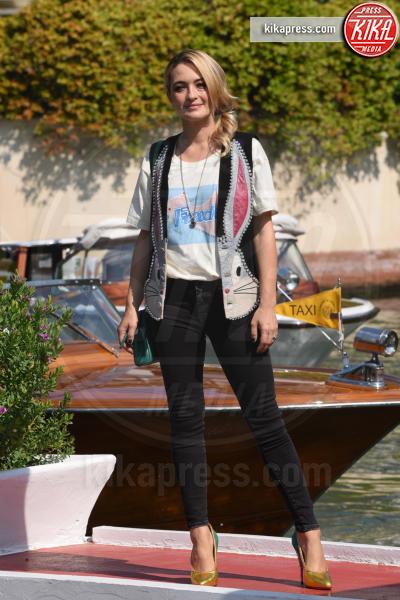 Carolina Crescentini - Venezia - 29-08-2018 - Venezia 75: Crescentini-Motta, amore al bacio in Laguna