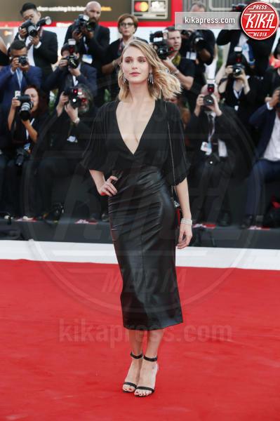 Gaia Weiss - Venezia - 29-08-2018 - Venezia 75: gli stilisti sul primo red carpet