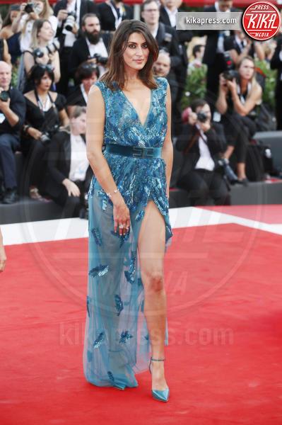 Elisa Isoarda - Venezia - 29-08-2018 - Venezia 75: lo spacco 'spacca' sul red carpet