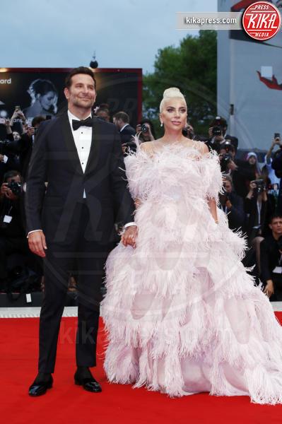 Lady Gaga, Bradley Cooper - Venezia - 31-08-2018 - Lady Gaga e Kaia Gerber: chi lo indossa meglio?