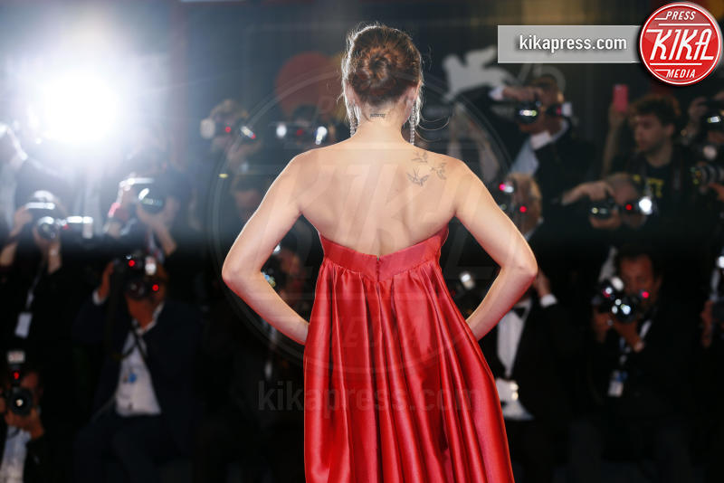 Dakota Johnson - Venezia - 01-09-2018 - Venezia 75, il red carpet di Suspiria