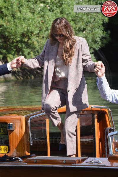Dakota Johnson - Venezia - 02-09-2018 - Venezia 75: l'arrivo al Lido di Giulia De Lellis e Serena Rossi