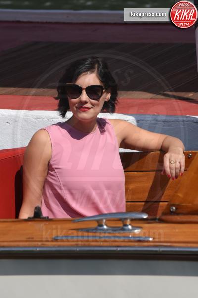 Annabel Scholey - Venezia - 02-09-2018 - Venezia 75: l'arrivo al Lido di Giulia De Lellis e Serena Rossi
