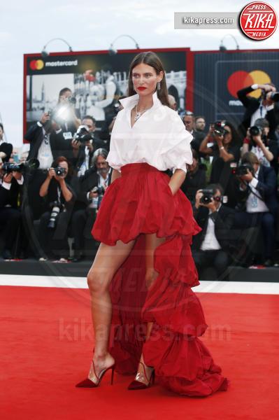 Bianca Balti - Venezia - 02-09-2018 - Venezia 75, Bruna Marquezine dà scandalo con lo spacco