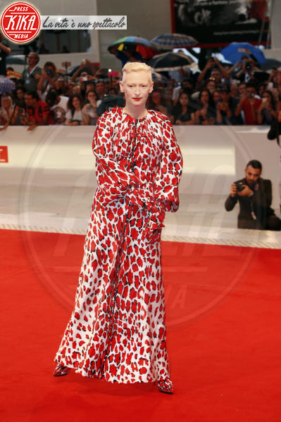 Tilda Swinton - Venezia - 03-09-2018 - Venezia 75: Willem Dafoe, red carpet alla Van Gogh