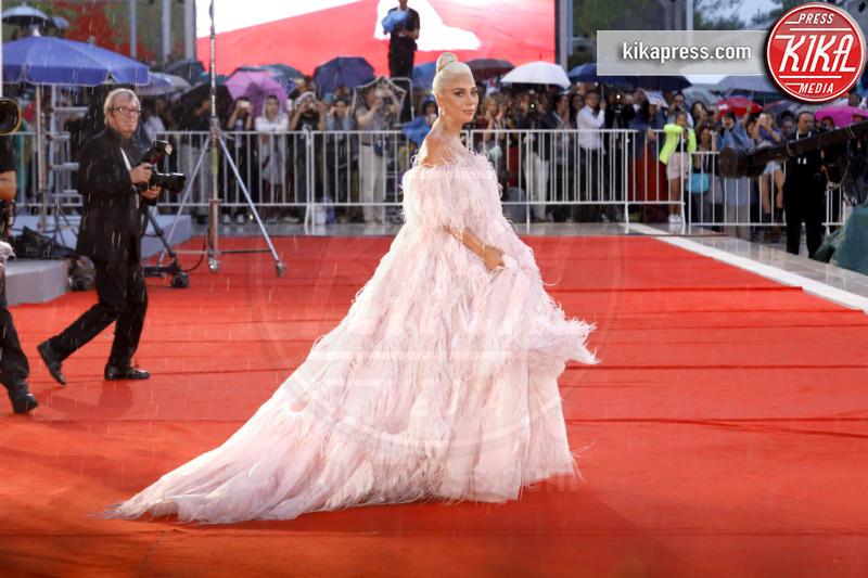 Venice - 31-08-2018 - Lady Gaga e Kaia Gerber: chi lo indossa meglio?