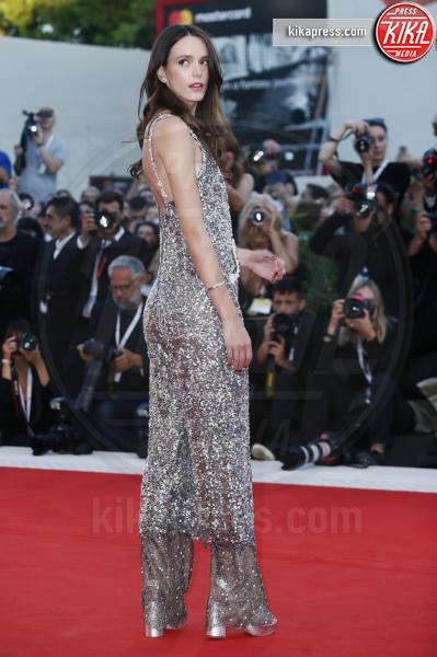 Stacy Martin - Venezia - 04-09-2018 - Venezia 75: Natalie Portman, un trionfo di paillettes... dorate!