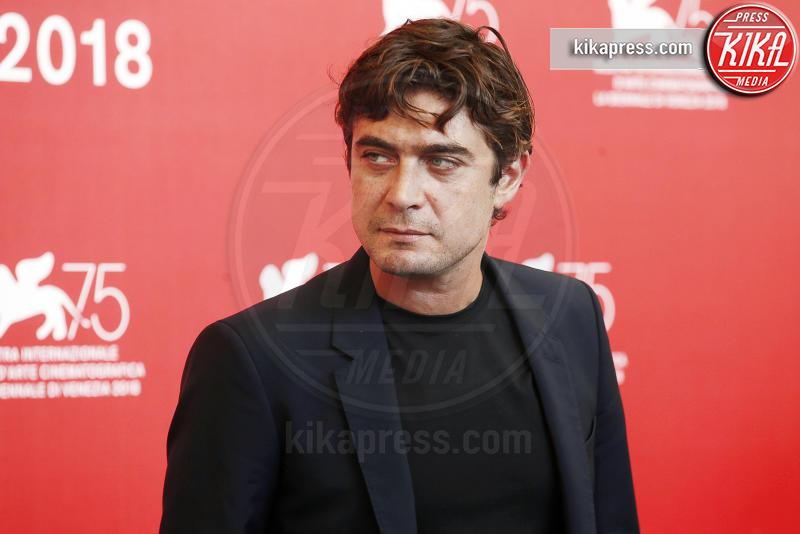 Riccardo Scamarcio - Venezia - 05-09-2018 - Venezia 75, Golino - Scamarcio insieme per I villeggianti
