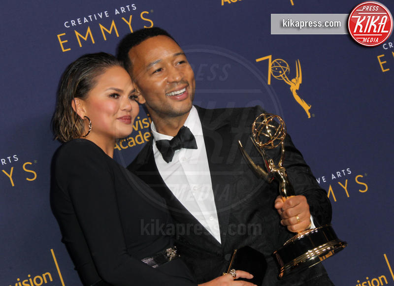 Chrissy Teigen, John Legend - Los Angeles - 09-09-2018 - Creative Arts Emmy, Anthony Bourdain vince due premi postumi