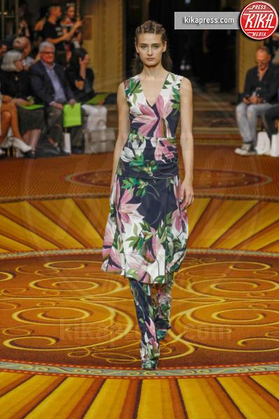 Christian Siriano Runway NYFW SS19, Sfilata Christian Siriano - New York - 09-09-2018 - New York Fashion Week: Tess Holiday sfila per Christian Siriano