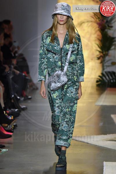 Sfilata Anna Sui, Model - New York - 10-09-2018 - New York Fashion Week: Bella Hadid sfila per Anna Sui