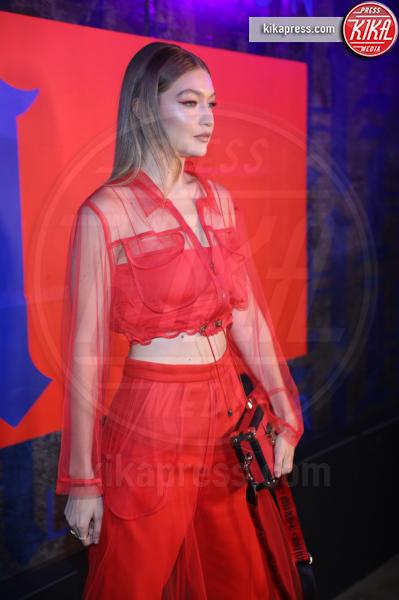 Gigi Hadid - New York - 11-09-2018 - NYFW: TommyXLewis Hamilton, ma la star è Gigi Hadid!