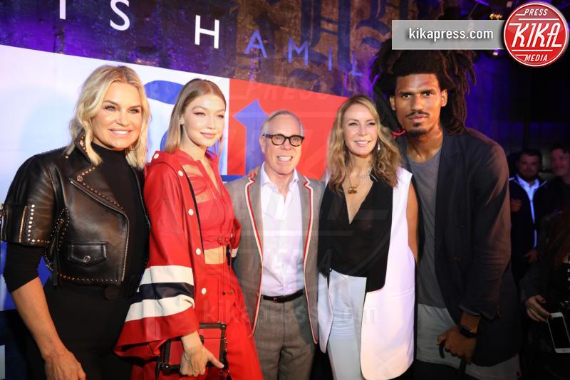 Gigi Hadid, Yolanda Hadid, Dee Hilfiger, Tommy Hilfiger - New York - 11-09-2018 - NYFW: TommyXLewis Hamilton, ma la star è Gigi Hadid!