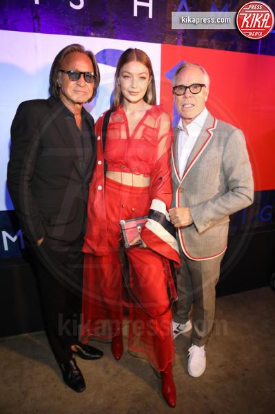 Mohammed Hadid, Gigi Hadid, Tommy Hilfiger - New York - 11-09-2018 - NYFW: TommyXLewis Hamilton, ma la star è Gigi Hadid!