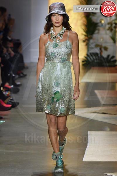Sfilata Anna Sui, Bella Hadid, Model - New York - 10-09-2018 - New York Fashion Week: Bella Hadid sfila per Anna Sui