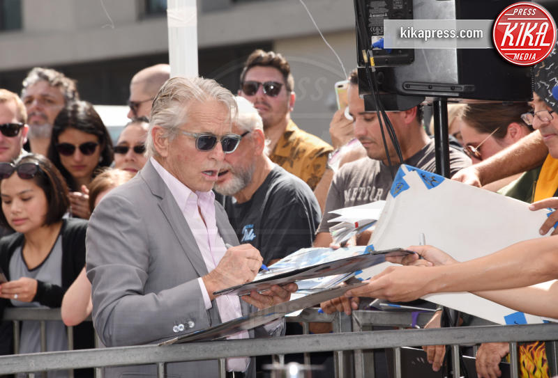 Michael Douglas - Hollywood - 13-09-2018 - Will&Grace, Eric McCormack: un'altra stella sulla Walk of Fame