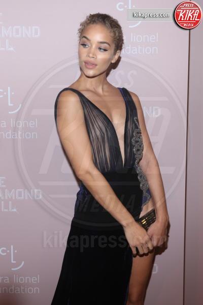 Jasmine Sanders - New York - 14-09-2018 - Rihanna, sposa fascinosa e stravagante al Diamond Ball