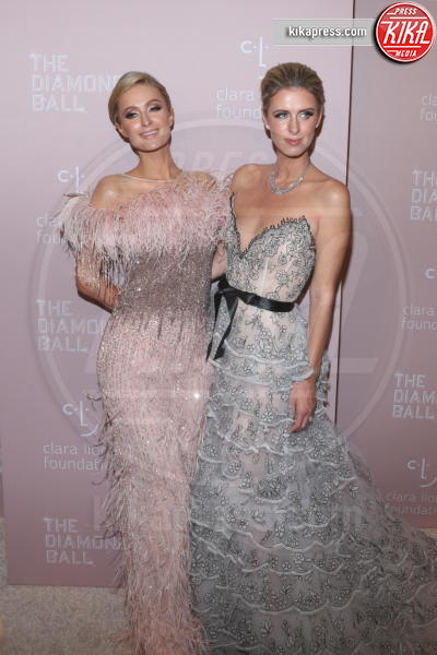 Nicky Hilton, Paris Hilton - New York - 14-09-2018 - Rihanna, sposa fascinosa e stravagante al Diamond Ball
